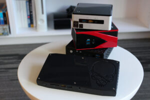 INTEL NUC 8I7HVK2 - MINI GAMING COMPUTER KIT