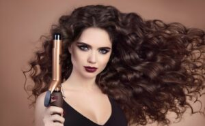 How does a hair curling machine work?